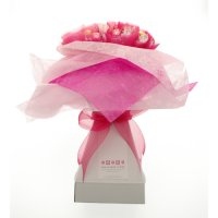Lady in Waiting Chocolate Bouquet - Pale Pink